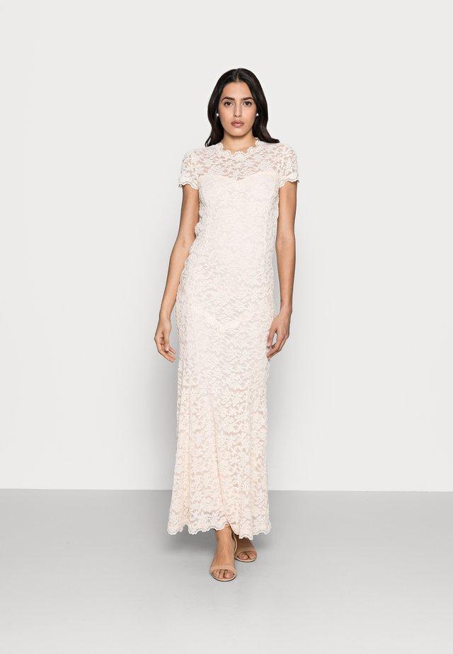 LONG LACE DRESS OPEN BACK SHORT SLEEVE - Suknia balowa - soft ivory