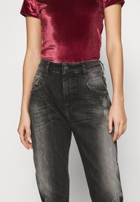 Diesel - D-FAYZA - Džíny Relaxed Fit - washed black - 4
