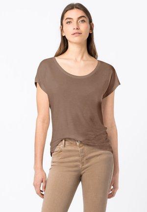 WEIT GESCHNITTENES - Basic T-shirt - cappuccino