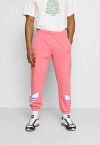 adidas Originals - UNISEX - Träningsbyxor - light pink - 0