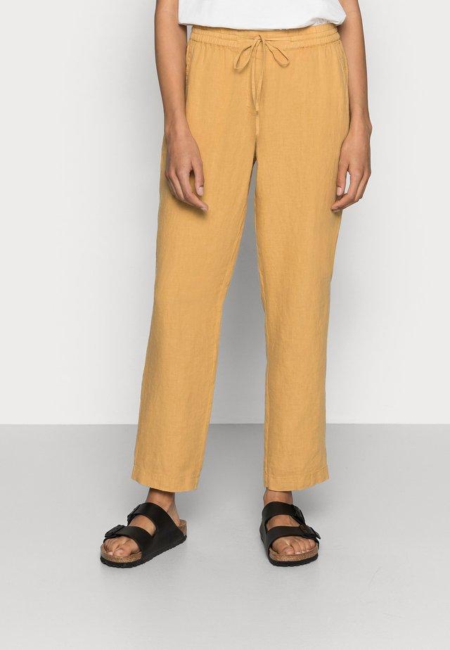 PANTS SMART STYLE STRAIGHT LEG - Spodnie materiałowe - sweet corn
