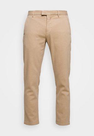 DEVON - Chino kalhoty - sesame