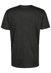 Puma - HEATHER CAT  - Print T-shirt - black heather - 1