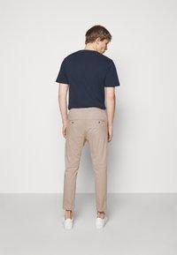 DRYKORN - JEGER - Trousers - beige - 2