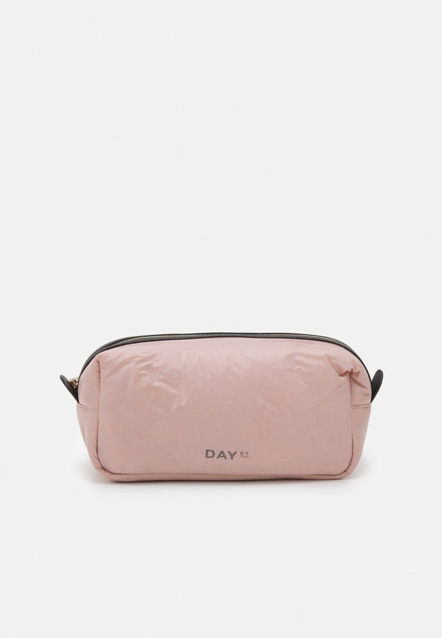SPORTASTIC COSMETIC - Kosmetická taška - antler rose