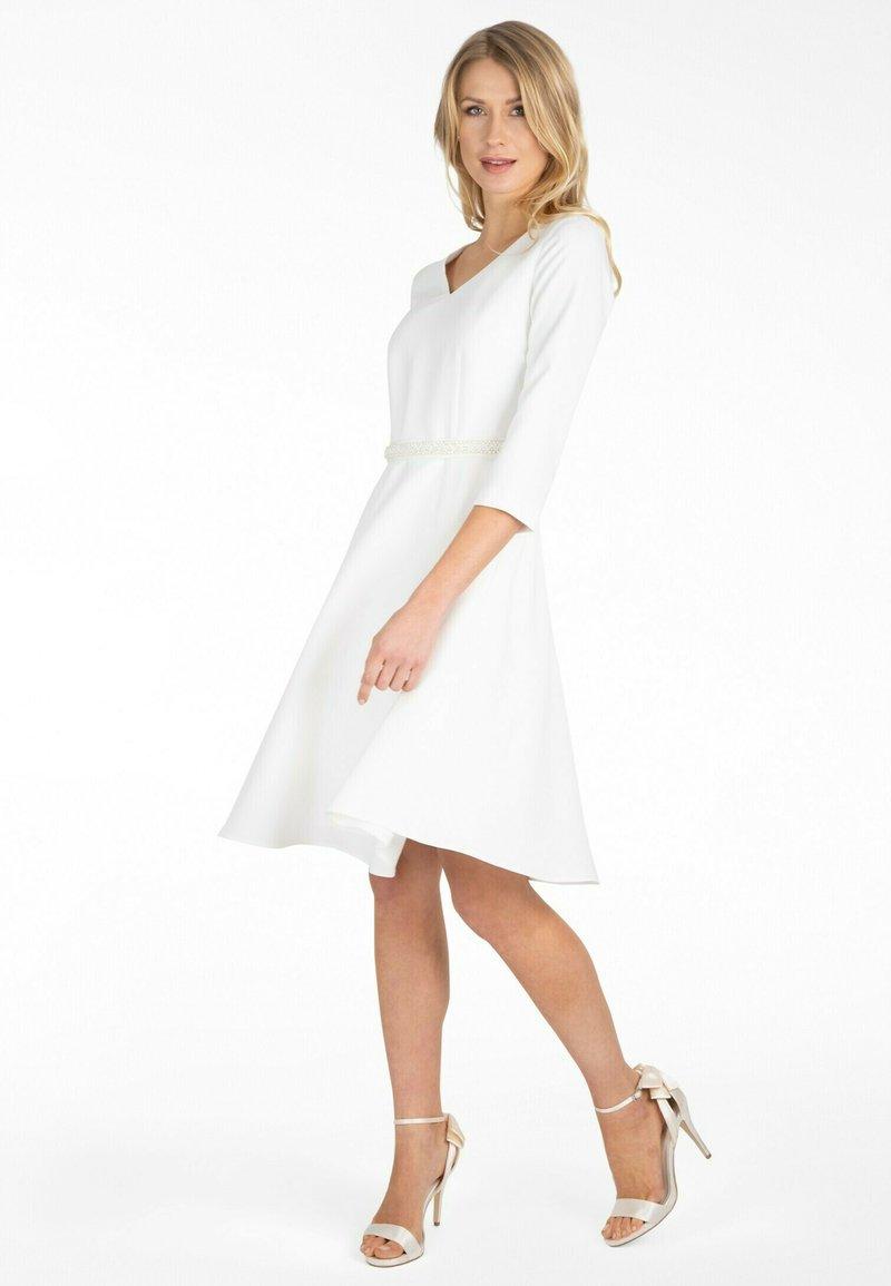 Apart - Day dress - creme