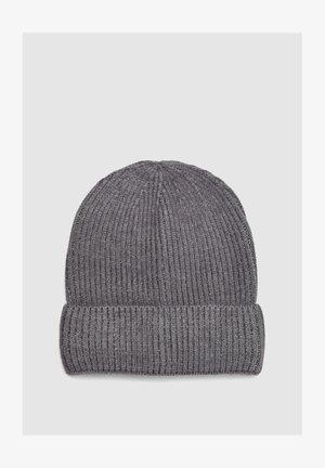 Beanie - dark grey melange knit