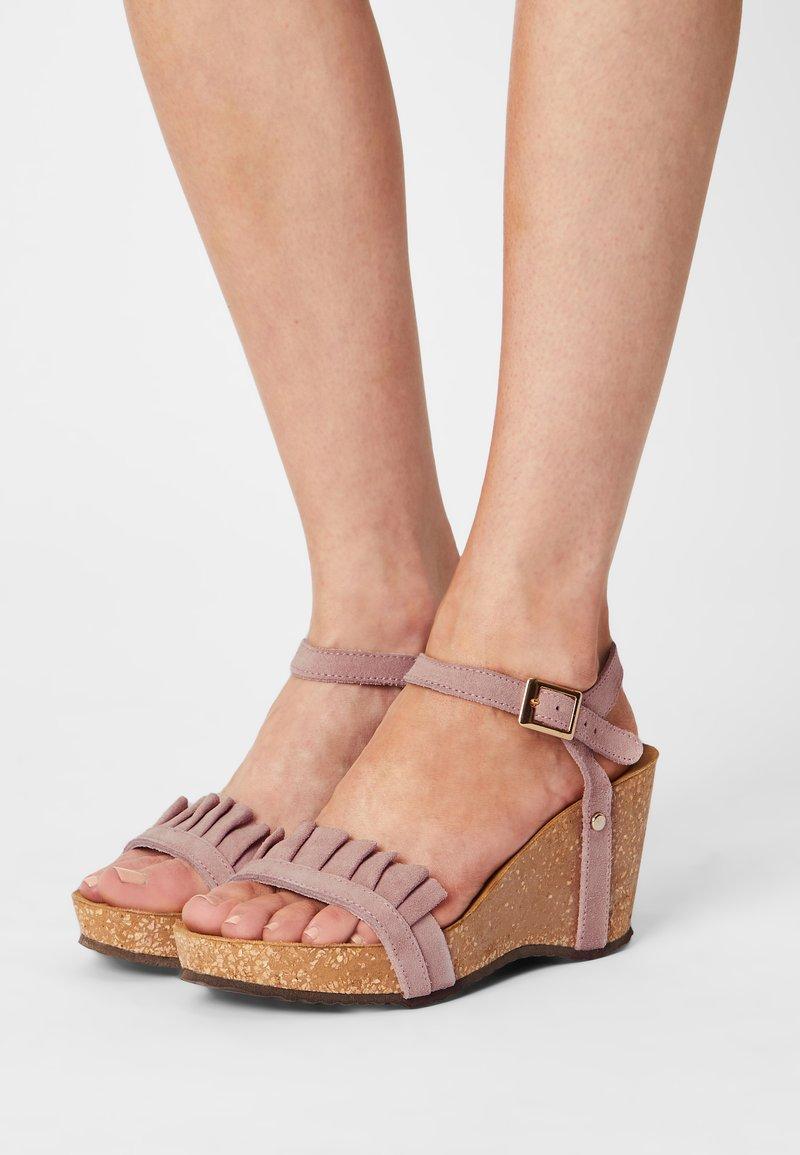 Copenhagen Shoes - SUNDAY MORNING - Platform sandals - rose