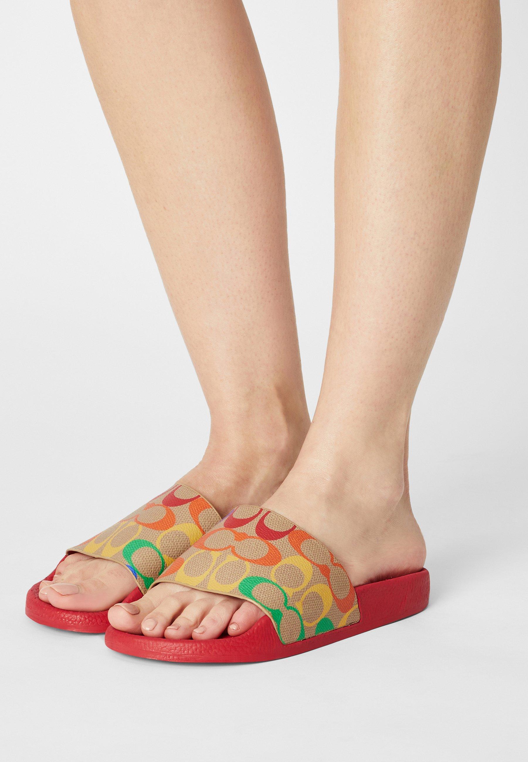 Women PRIDE  - Pool slides