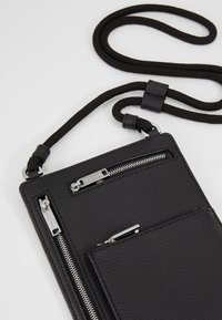 BOSS - CROSSTOWN NECK POUCH - Wallet - black - 2