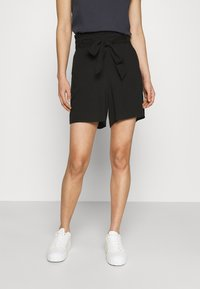 Vero Moda - VMSIMPLY EASY - Shorts - black - 0