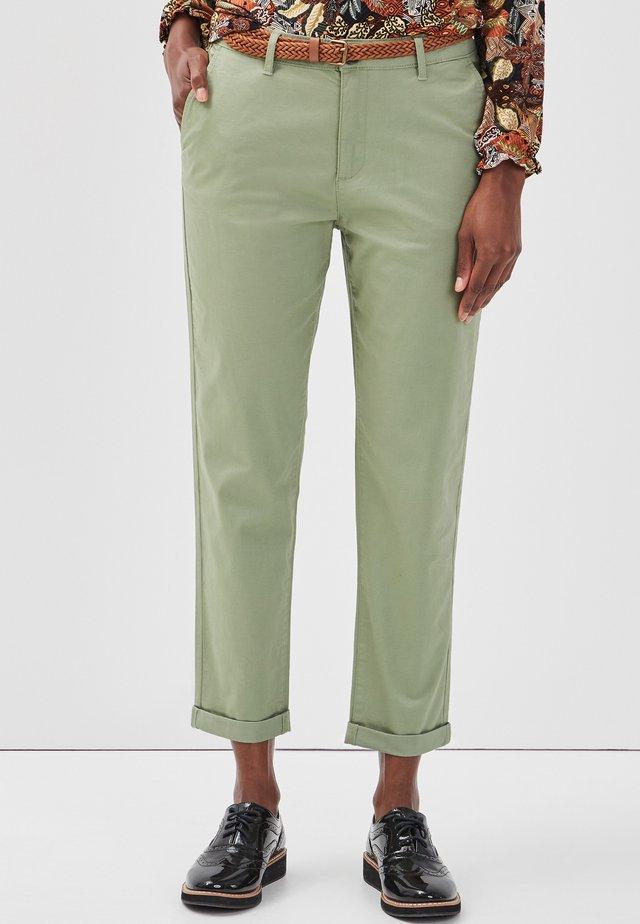 Pantalones chinos - green