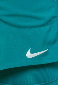 Nike Performance - Pantalón corto de deporte - blustery/blustery/silver - 4