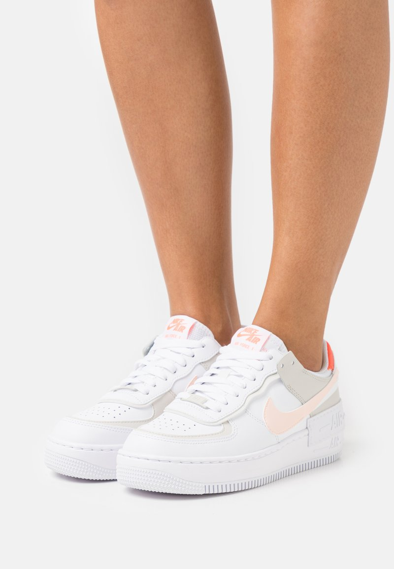 Nike Sportswear - AIR FORCE 1 SHADOW - Sneakers - white/crimson tint/bright mango