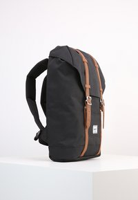 Herschel - RETREAT - Reppu - black/tan - 4