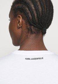 KARL LAGERFELD - RHINESTONE LOGO  - T-Shirt print - white - 5