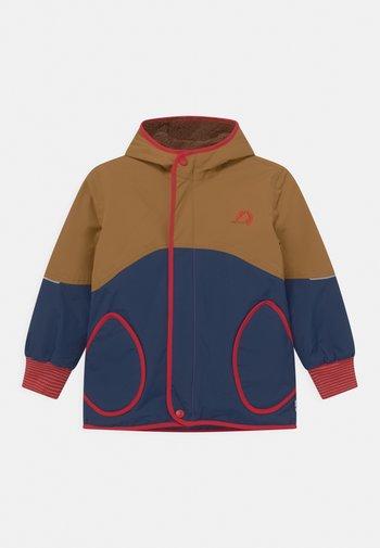 NALLE MUKKA UNISEX - Winter jacket - cinnamon/red