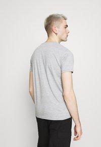 Alpha Industries - ALPHA LABEL 2 PACK - Print T-shirt - grey heather/rep blue - 2