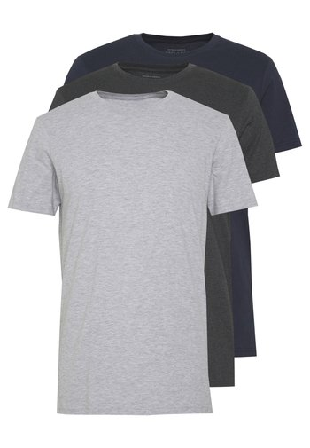 ESSENTIAL TEE 3 PACK