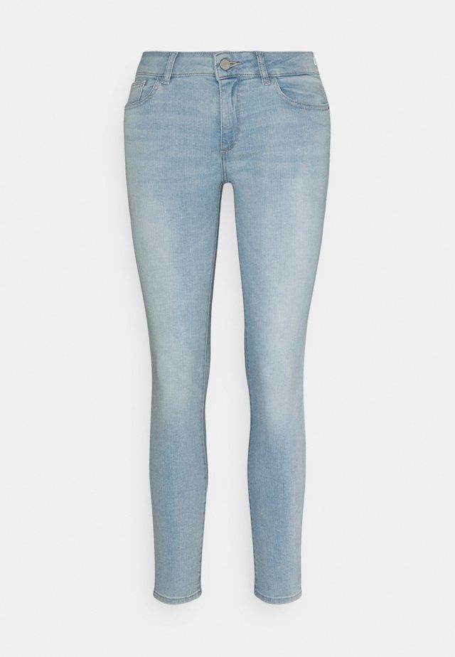 EMMA LOW RISE INSTASCULPT - Jeans Skinny - waldon