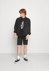 Denim Project - MR ORANGE - Jeans Short / cowboy shorts - black washed - 1
