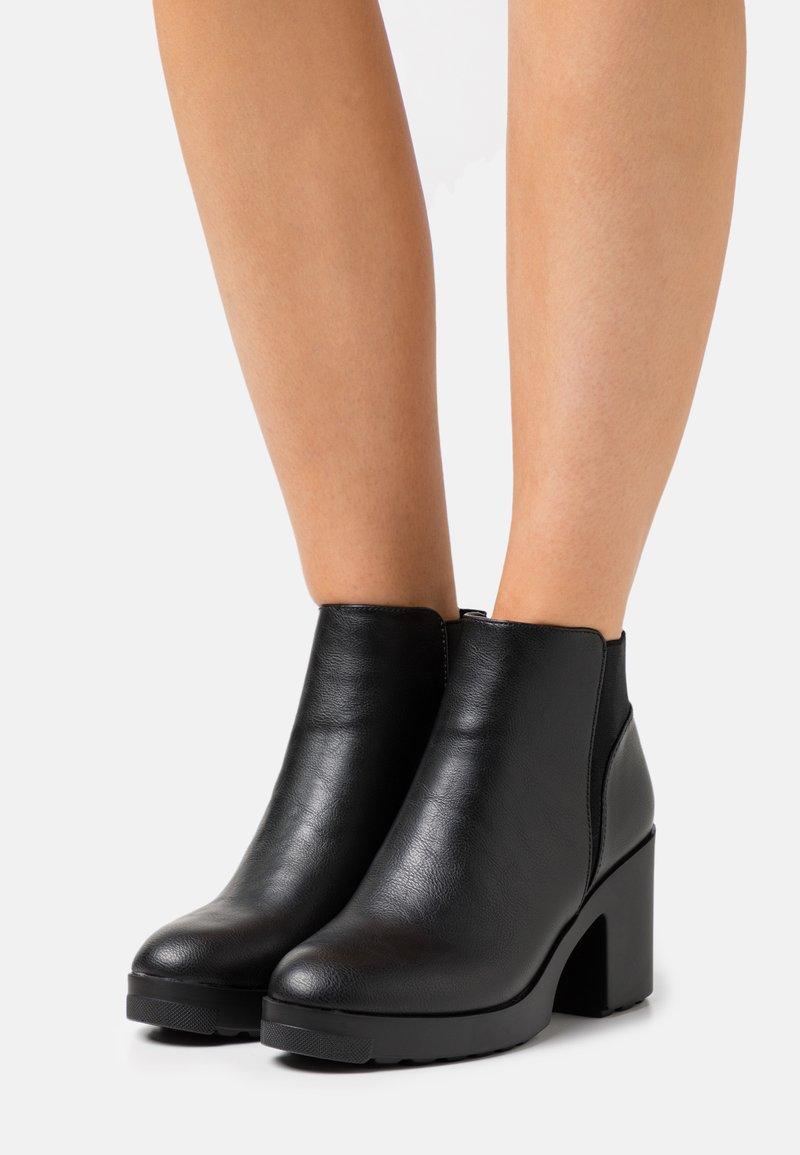 Call it Spring - ALRIIX - Kotníkové boty na platformě - black