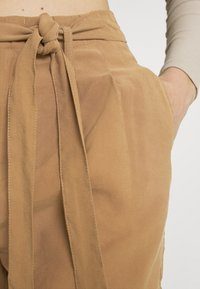 ONLY - ONLMAGO LIFE - Shorts - toasted coconut - 5