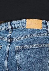 Monki - Jeans Straight Leg - thrift blue - 4