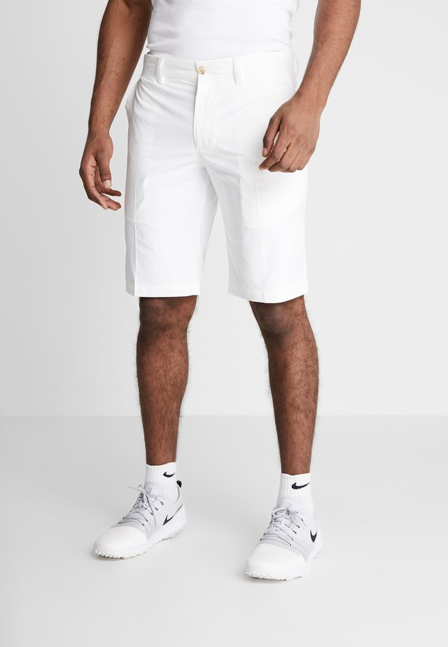 SOMLE TAPERED LIGHT  - Pantalones montañeros cortos - white