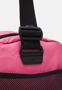 adidas Performance - LINEAR DUFFEL S UNISEX - Sportovní taška - rose tone/black/white - 3