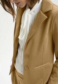 Cream - ANETT BLAZER - Blazer - luxury camel - 3