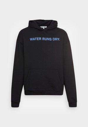 WATER RUNS DRY HOODIE  - Mikina - black