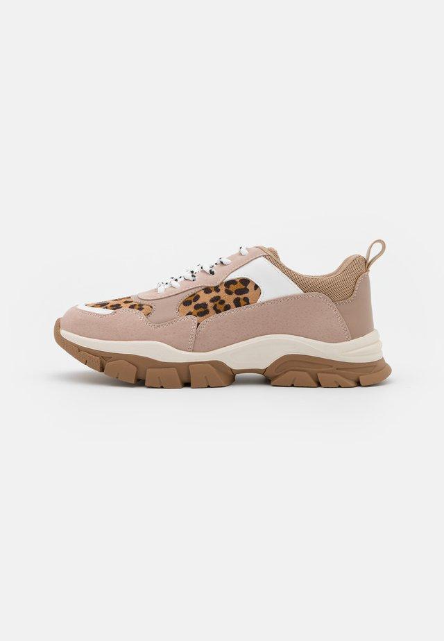 LEO MIX TRAINERS - Sneakers laag - beige