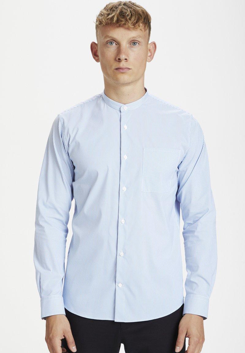 Matinique - Shirt - chambray blue