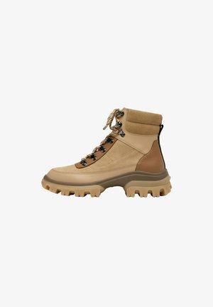 Platform ankle boots - beige/brown
