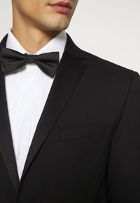 Jack & Jones PREMIUM - JPRBLAFRANCO TUX SUIT - Garnitur - black - 6
