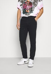 Mennace - STRAIGHT PAINTERS PANT - Trousers - black - 0