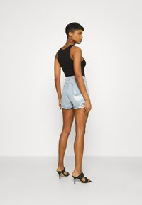 Missguided - EXTREME FRAY RIOT - Shorts di jeans - light blue - 2