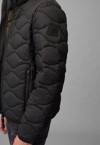 Marc O'Polo DENIM - MIT SLOW DOWN - NO DOWN-WATTIERUNG - Winter jacket - black - 4