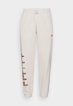 SCRIPT PANT - Pantalon de survêtement - alumina
