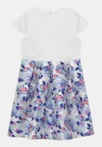 Chi Chi Girls - CATHERINE DRESS - Koktejlové šaty/ šaty na párty - white - 1