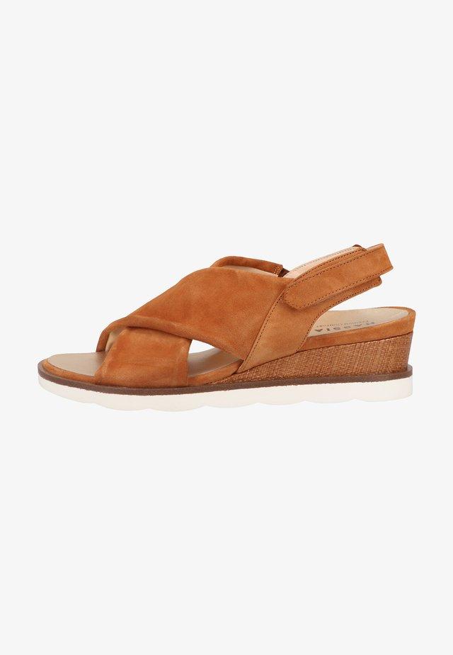 Sandalen met plateauzool - hazel
