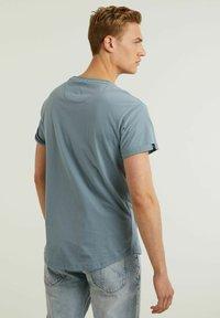 CHASIN' - Basic T-shirt - blue - 1