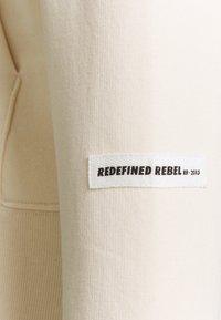 Redefined Rebel - MELVIN UNISEX - Sweatshirt - sandshell - 2