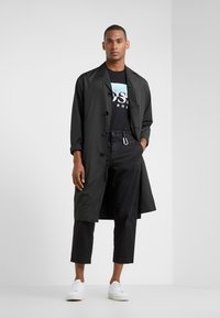 BOSS - TREK  - Print T-shirt - black - 1