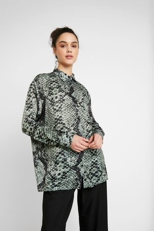Blouse - forest serpent