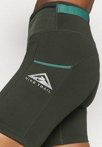Nike Performance - EPIC LUXE  - Tights - olive - 5