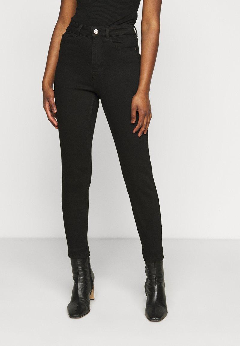 Pieces Petite - PCKAMELIA ANKLE - Jeans Skinny Fit - black