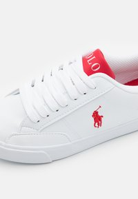 Polo Ralph Lauren - THERON UNISEX - Tenisky - white tumbled/red - 5