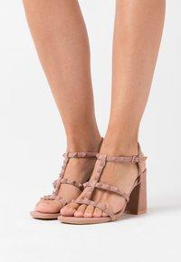 New Look - STAFFY - Sandály na vysokém podpatku - oatmeal - 0